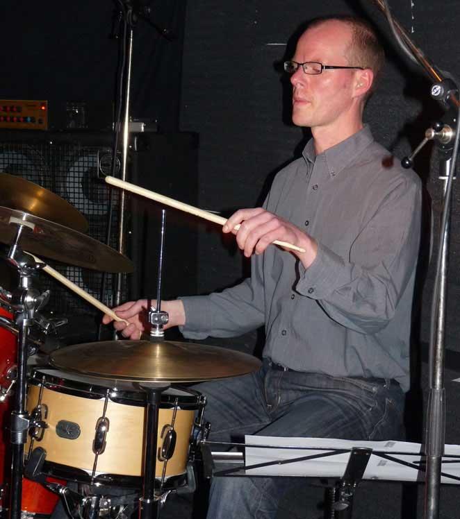 Schlagzeuger Jochen Hafner am Schlagzeug